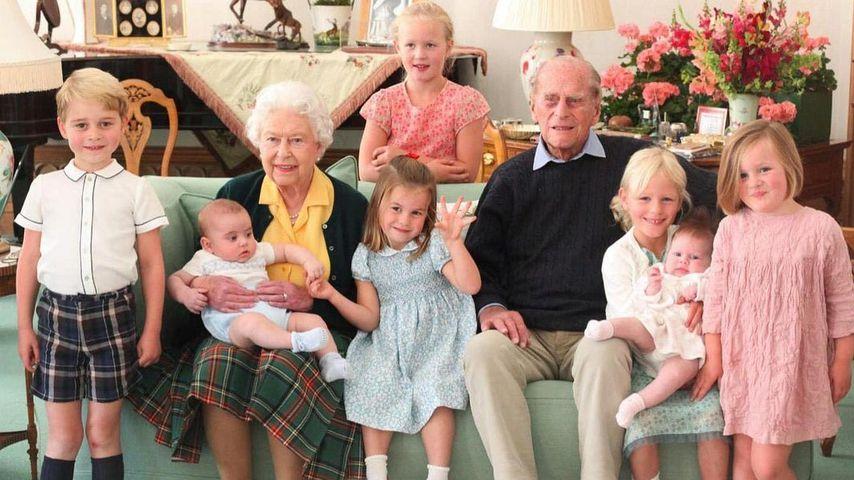 Die Queen und Prinz Philip mit ihren Urenkeln