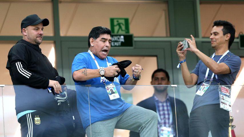 Argentinien vs. Kroatien: Maradona flippt auf WM-Tribüne aus