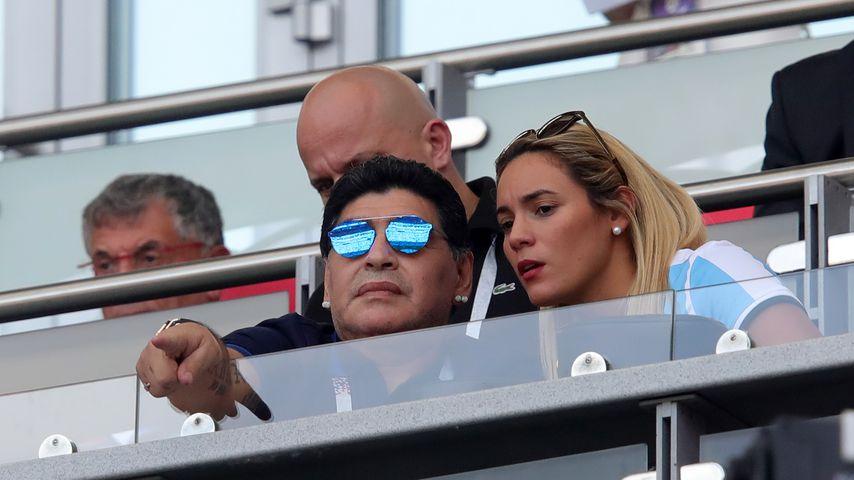 Diego Maradona und Rocio Oliva auf der VIP-Tribüne