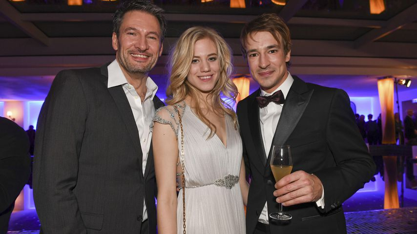 Dieter Bach, Larissa Marolt und Sebastian Fischer im Dezember 2017