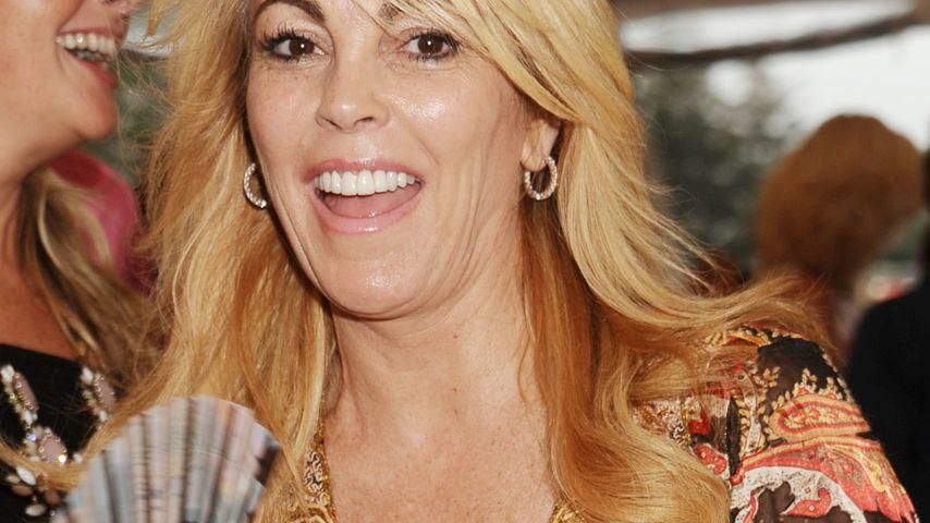 Dina Lohan: Jetzt feiert Lindsays wilde Mutti!
