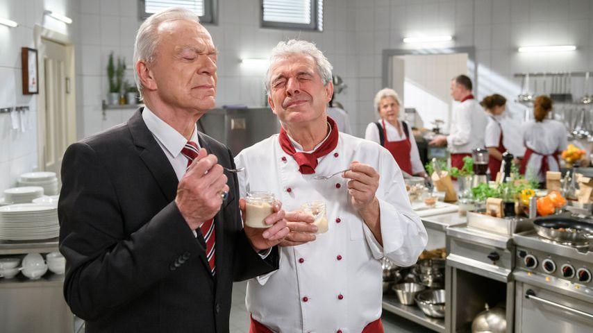 """Werner Saalfeld (Dirk Galuba) und André Konopka (Joachim Lätsch) bei """"Sturm der Liebe"""""""