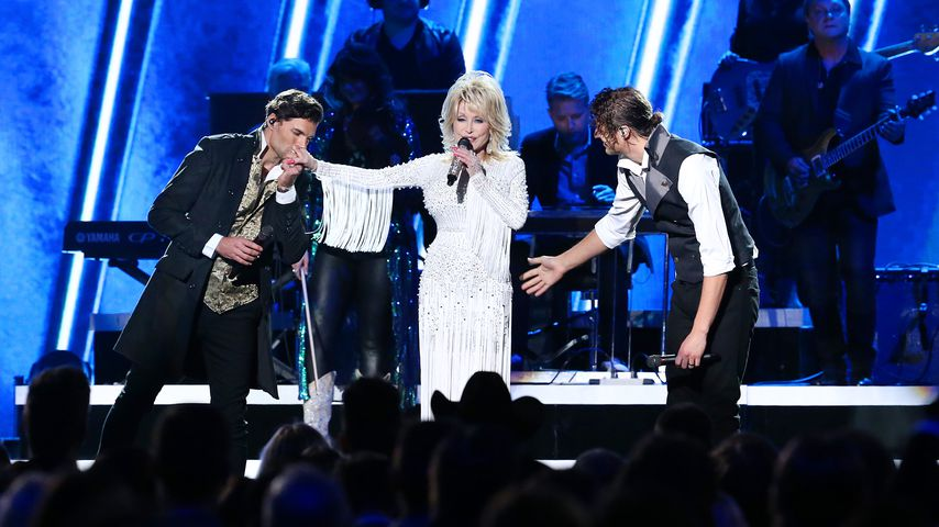 Dolly Parton mit der Band For King & Country