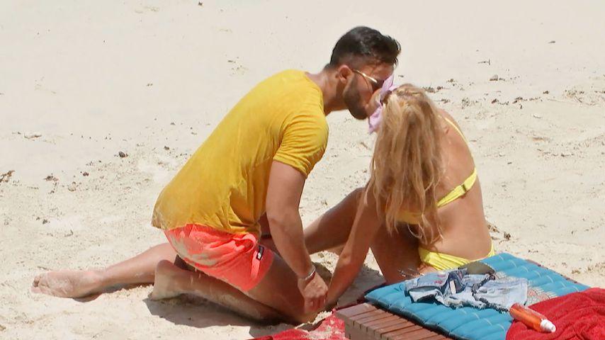 """Domenico De Cicco und Evelyn Burdecki bei """"Bachelor in Paradise"""""""