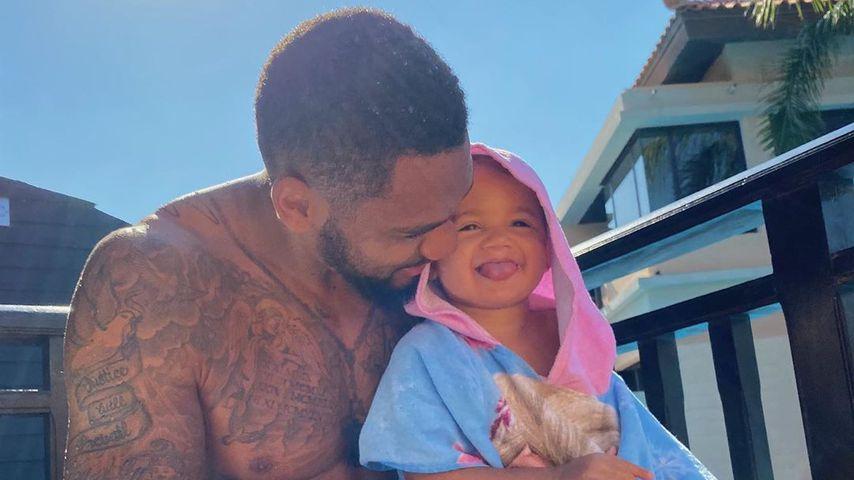 Dominic Harrison mit Tochter Mia Rose im November 2019