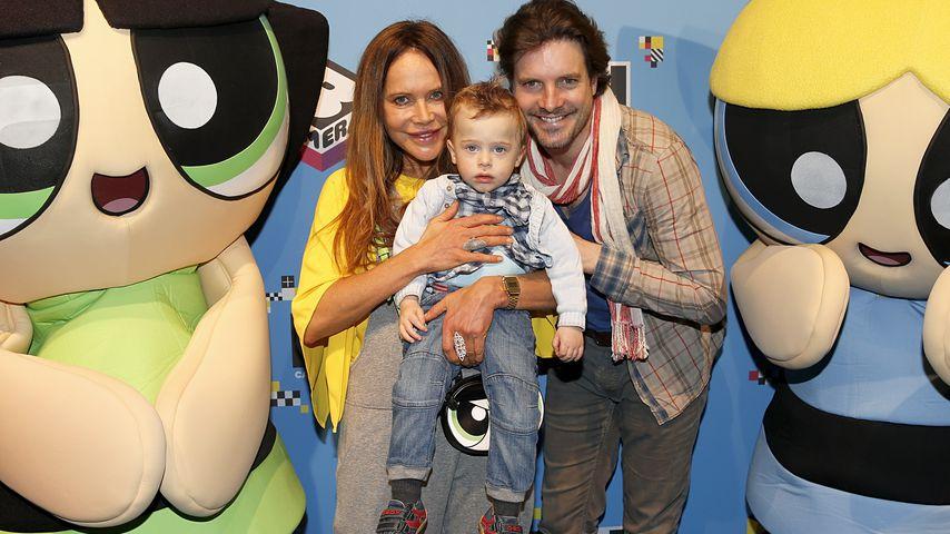 Doreen Dietel, Tobias Guttenberg und ihr gemeinsamer Sohn 2016