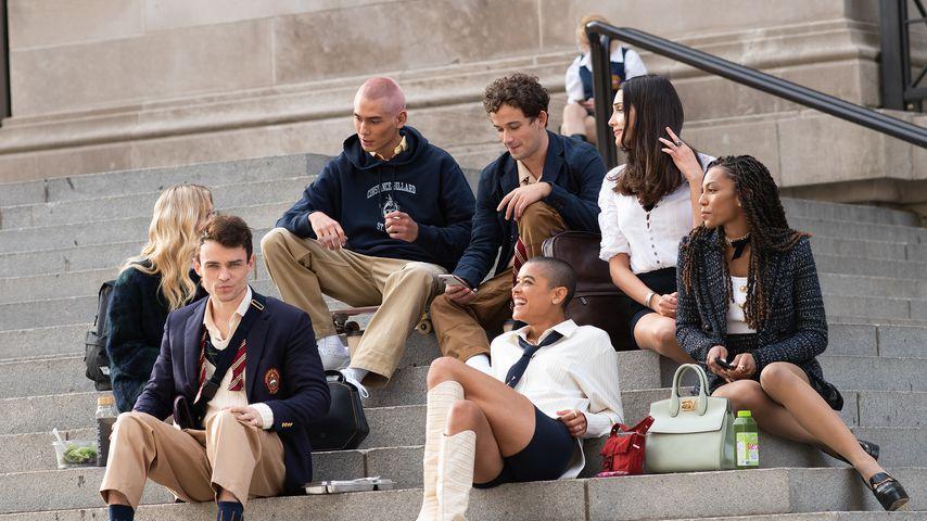 """Dreharbeiten zum """"Gossip Girl""""-Reboot mit Evan Mock, Eli Brown, Emily Alyn Lind und Co."""
