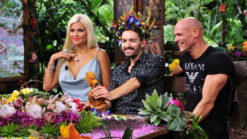 Applaus für den König: Die Dschungelcamper feiern Menderes