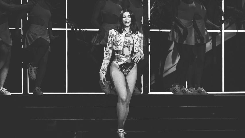 Dua Lipa bei den Brit Awards 2018