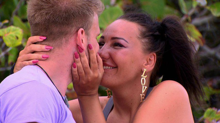 """Kuss-Date bei """"M.O.M"""": Das gefällt Jasmin an Junior Dustin"""