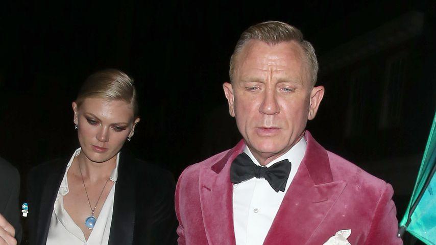 Ella Loudon und ihr Vater Daniel Craig beim Verlassen der Bond-Premiere