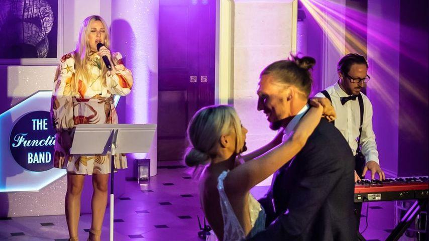 Ellie Goulding auf der Hochzeit von Luke und Poppy Ayling