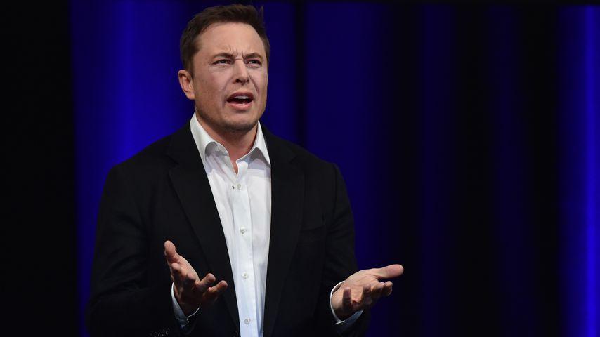 Wegen Joint? Elon Musks Tesla-Aktie verliert stark an Wert!