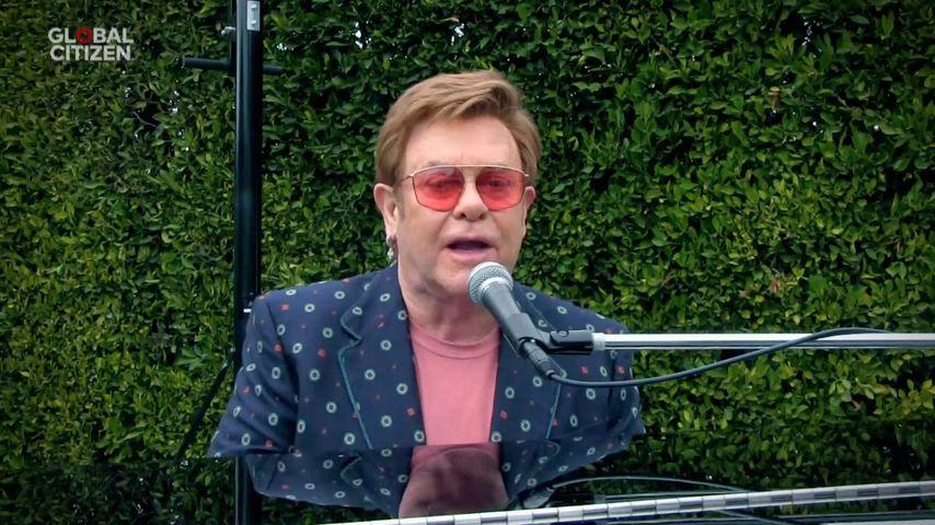 """Elton John während seiner Live-Performance für """"One World: Together At Home"""""""