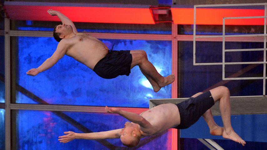 Elton und Stefan Raab beim TV Total Turmspringen 2015