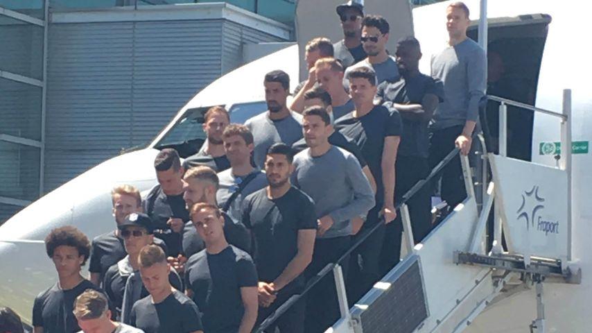 EM-Hammer in Frankfurt: Jogi Löw fliegt ohne Lukas Podolski!