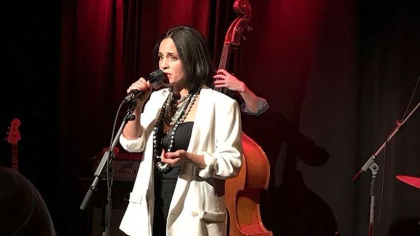 Emilia Mitiku, Sängerin