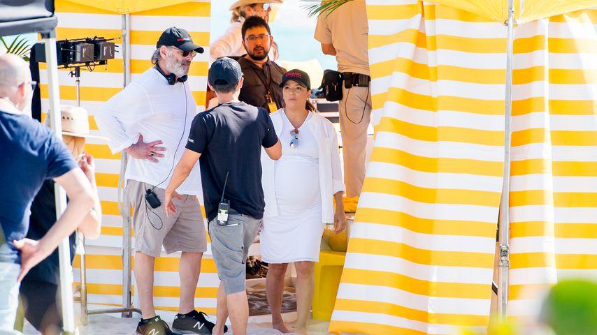 """Eva Longoria als Produzentin am Set von """"Grand Hotel"""""""