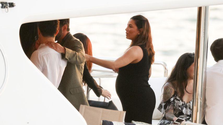 Schwangere Bootstour: Eva Longoria genießt Sonnenuntergang