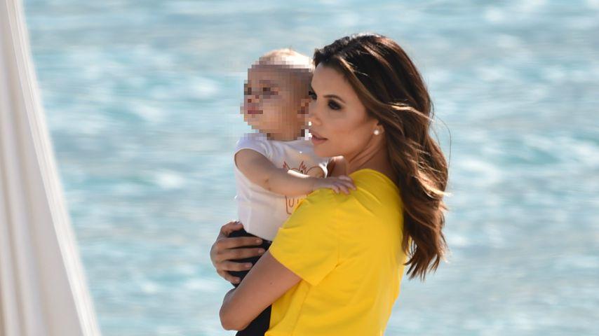 Foto-Session mit Sohn Santi: Eva Longoria strahlt in Cannes!