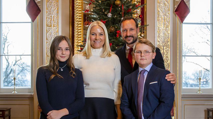 Familienportrait von Prinzessin Ingrid Alexandra, Mette-Marit, Haakon und Sverre Magnus von Norwegen