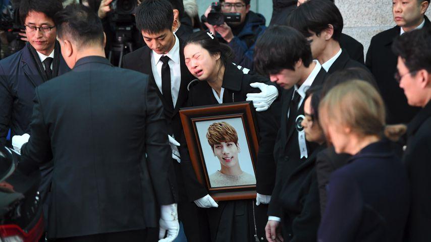 Kim Jong-Hyun (†27): Beerdigung im Beisein seiner Band!
