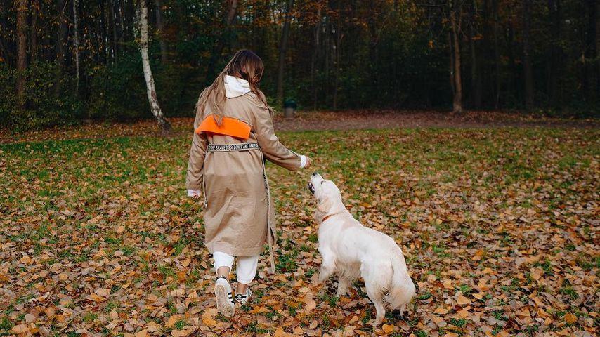 Farina Yari mit ihrem Hund Oreo
