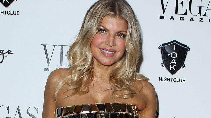 Fergie: Im sexy Gold-Kleid ab ins neue Jahr