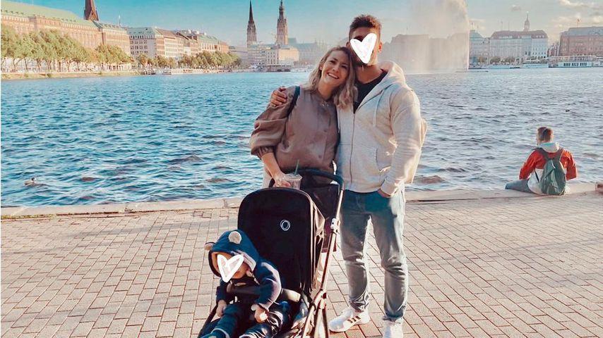 Fiona Erdmann zusammen mit ihrem Partner Moe und Söhnchen Leo in Hamburg