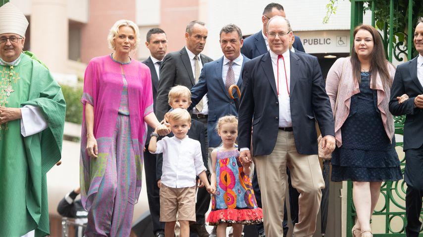 Fürstin Charlène mit Fürst Albert II. von Monaco und ihren Kindern in Monaco