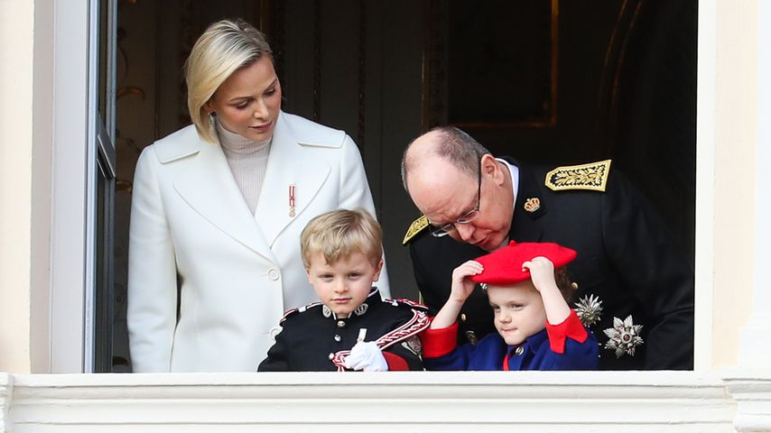 Fürstin Charlène, Fürst Albert II., Prinz Jacques und Prinzessin Gabriella