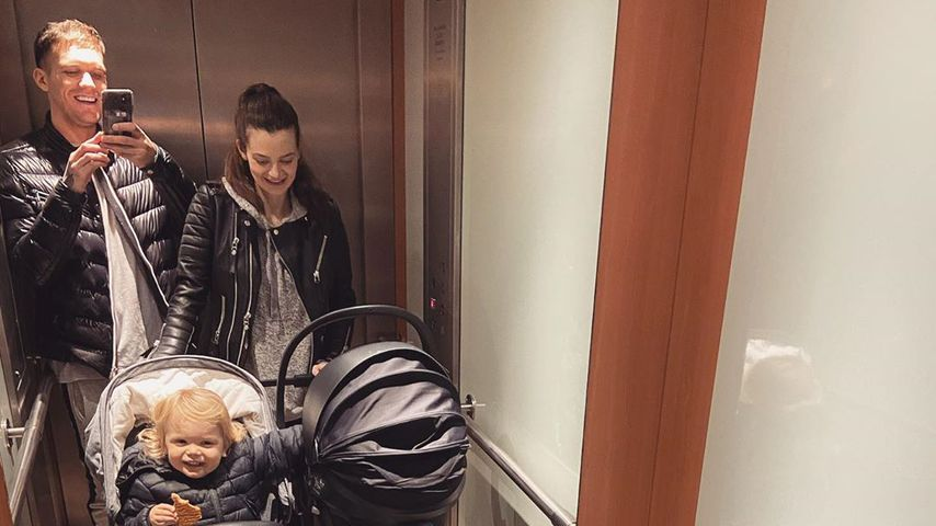 Gary Beadle, Emma McVey und ihre Kinder Chester und Primrose