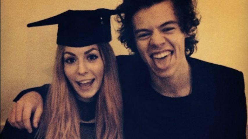 Harry Styles mit seiner Schwester Gemma (l.)