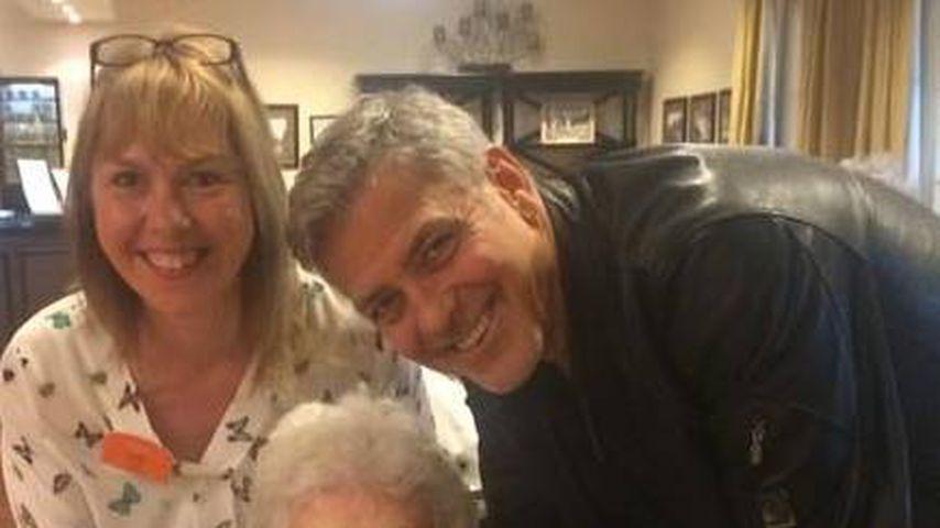Star hautnah: George Clooney schaut im Altenheim vorbei!