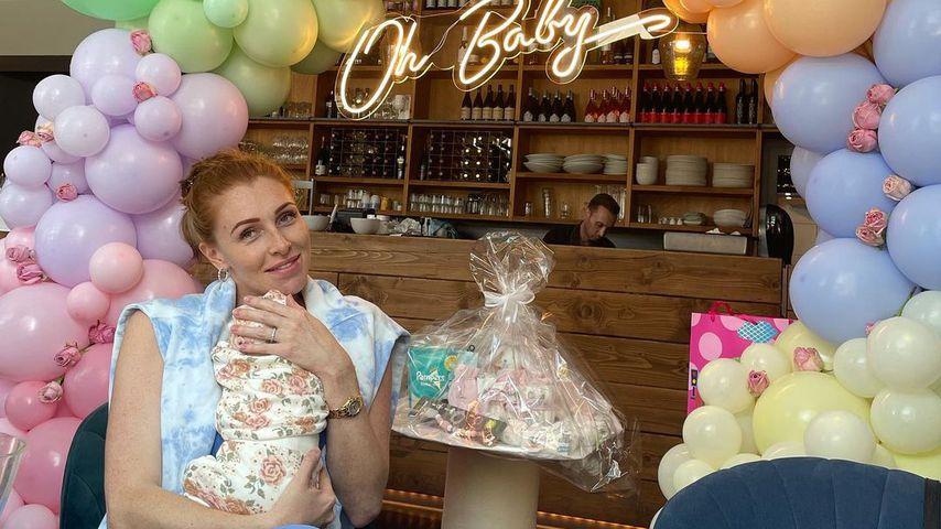 Georgina Fleur und ihre Tochter im September 2021