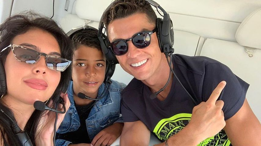 Luxus pur: Cristiano Ronaldo & Familie jetten im Helikopter!