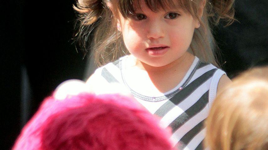 Süß! Mario Lopez' Tochter trifft Elmo!