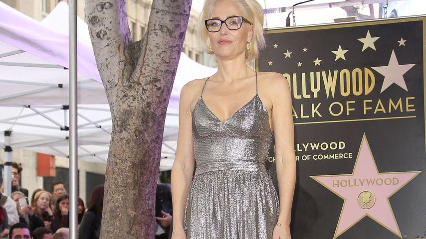 Gillian Anderson beim Erhalt ihres Sterns auf dem Hollywood Walk of Fame 2018