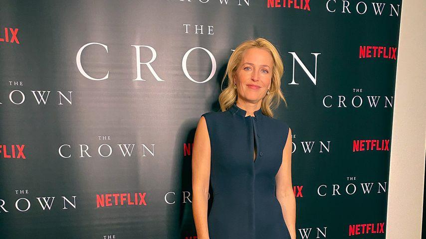 """Gillian Anderson zu Hause bei der """"The Crown""""-Premiere"""