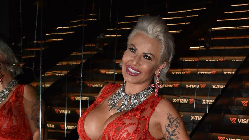 Das ist mal ein Venus-Look! Ginger Costello bei Pre-Party