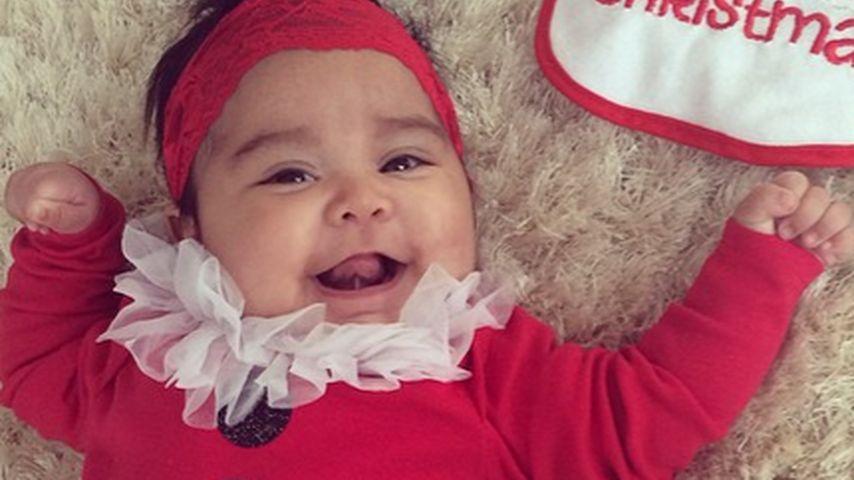So süß! Snookis Giovanna im Weihnachtsmann-Tutu