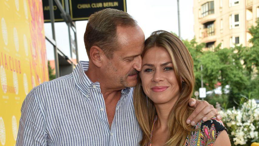 Heimlich: Jenny Elvers' Ex Goetz Elbertzhagen hat geheiratet