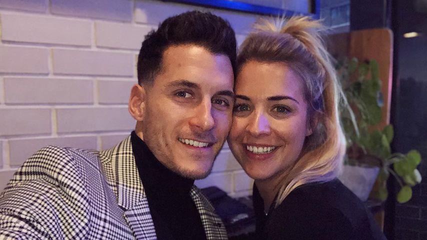 Gemma Atkinsons Freund liebt es, ihre Cellulite zu küssen
