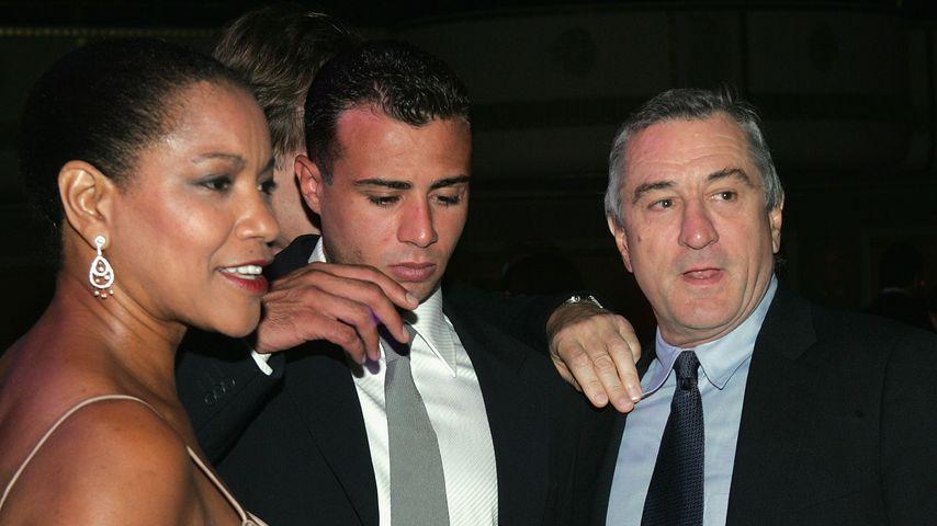 Grace Hightower, Robert De Niro und Roberts Sohn Raphael im Jahr 2004