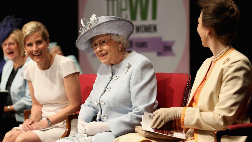Gräfin Sophie, Queen Elizabeth II. und Prinzessin Anne in der Royal Albert Hall, 2015