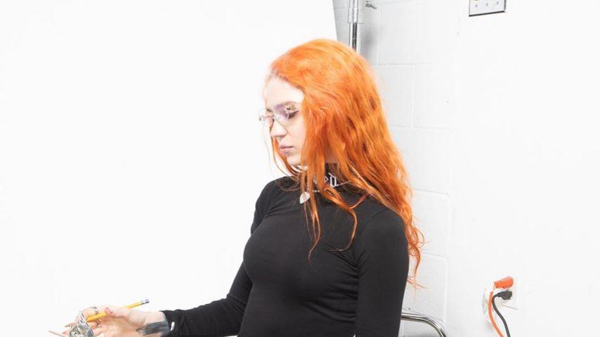 Grimes, Sängerin