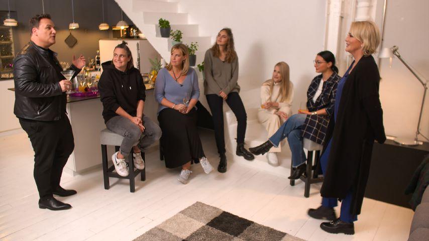 """Guido Maria Kretschmer mit den Frauen von """"Showtime of my Life - Stars gegen Krebs"""""""