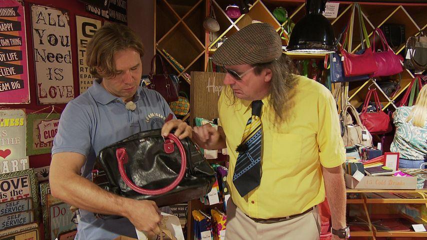 """Guildo Horn (r.) mit Shopping-Begleitung Michael bei """"Promi Shopping Queen"""""""