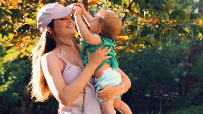Hana Nitsche mit ihrer Tochter Aliya