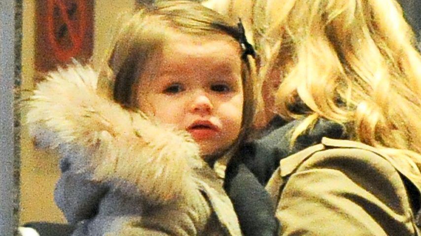 Harper Beckham (1) trägt schon Pelz